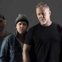 ¡Tremendo! Metallica se presentó en autocines a través de streaming