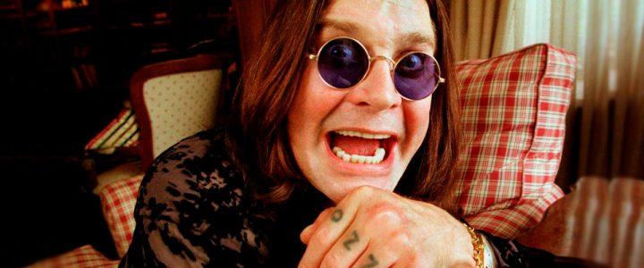 Ozzy Osbourne revela que se puede pagar por dormir en el cuarto de su infancia