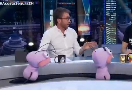 ¡Lo dejó callado! La respuesta de una niña ante la imprudente pregunta de un presentador