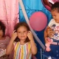 Con segunda prendida de vela y otra mechoneada, revelan el video completo de la niña maldadosa