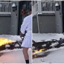 Un hombre se atrevió a despejar la nieve de su casa con un lanzallamas