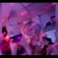 (Video) Servidoras públicas fueron pilladas en fiesta con strippers
