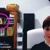 VIDEO: mujer olvidó esconder su juguete sexual y salió en pleno noticiero
