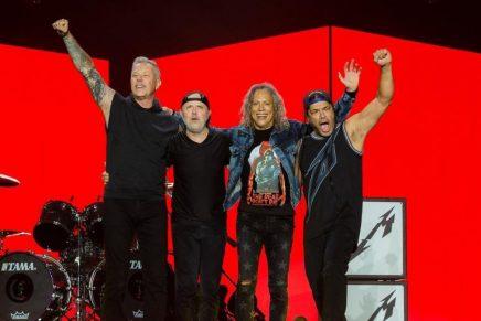 'The Metallica Blacklist' entró en el Top 10 de Billboard