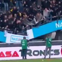 Video: Celebraban la victoria de su equipo y se cayó la tribuna