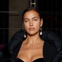 Irina Shayk subió la temperatura en redes con fotos en las que posa desnuda